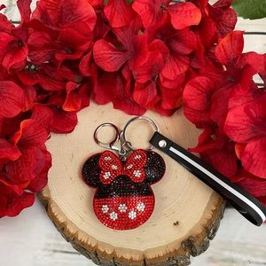Crystal Minnie Mouse on a Keychain w/ a Wristband